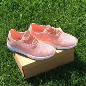Shoes - NWT PINK GLITTER SNEKERS